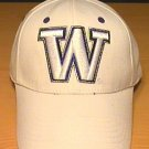 WASHINGTON HUSKIES FLEXFIT CAP - WHITE