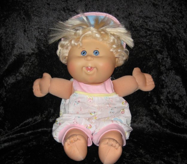 rare cabbage patch kids baby doll, 15 inches