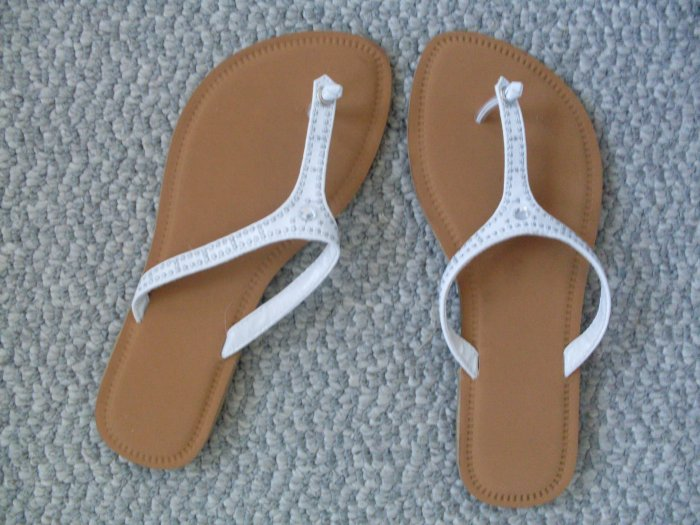 NEW Avon Sparkly White Flip Flop Sandals Sz S 5-6