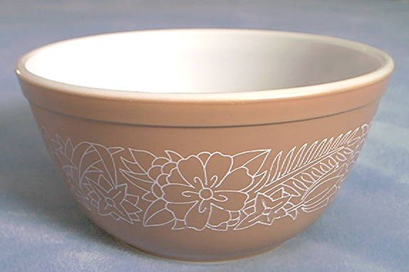 Pyrex~Woodland Brown~Mixing Bowl~1 1/2 qt.~Brown and White Flowers