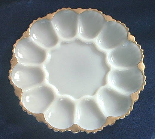 FIRE KING EGG DISH ~WHITE MILK GLASS ~GOLD TRIM~ EXCELLENT