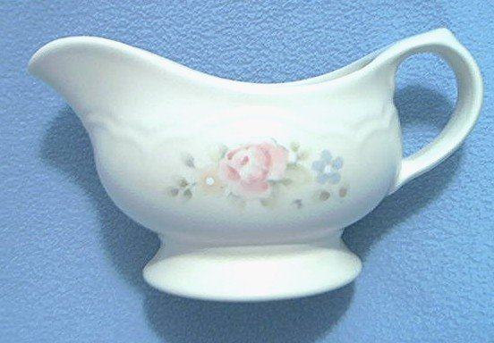 PFALTZGRAFF TEA ROSE GRAVY BOAT~LOVELY PINK ROSE~CREAMY COLOR
