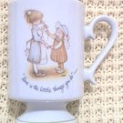 HOLLY HOBBIE PEDESTAL FOOT MUG ~LOVE IS THE LITTLE THINGS YOU DO~ JAPAN~ 1973