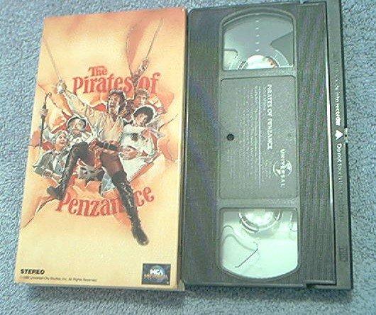 THE PIRATES OF PENZANCE~VHS~REX SMITH~KEVIN KLINE~LINDA RONSTADT~1982 MINT HTF!