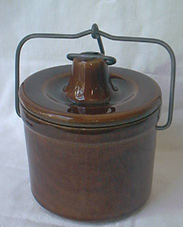 VINTAGE STONEWARE BROWN CHEESE BUTTER CROCK WITH WIRE BAIL