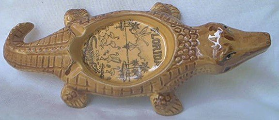 VINTAGE ALLIGATOR SHAPED ASHTRAY FLORIDA SOUVENIR~8 IN~REALISTIC LOOKING