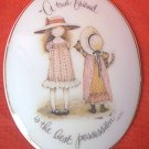 "HOLLY HOBBIE PORCELAIN PLAQUE ~1973~ ""A TRUE FRIEND IS THE BEST POSSESSION""~JAPAN"