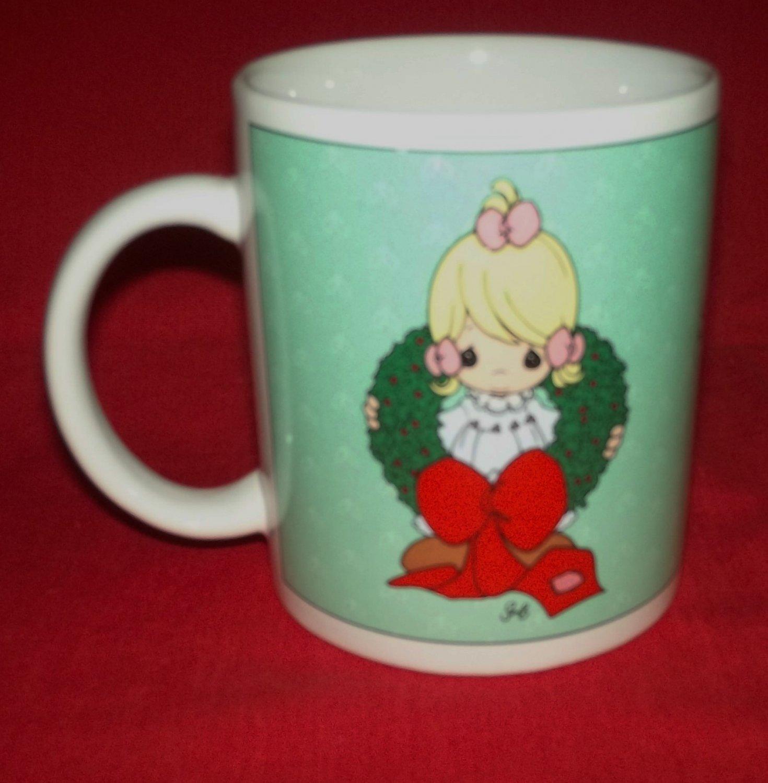 PRECIOUS MOMENTS CHRISTMAS MUG 1996 ENESCO WREATH