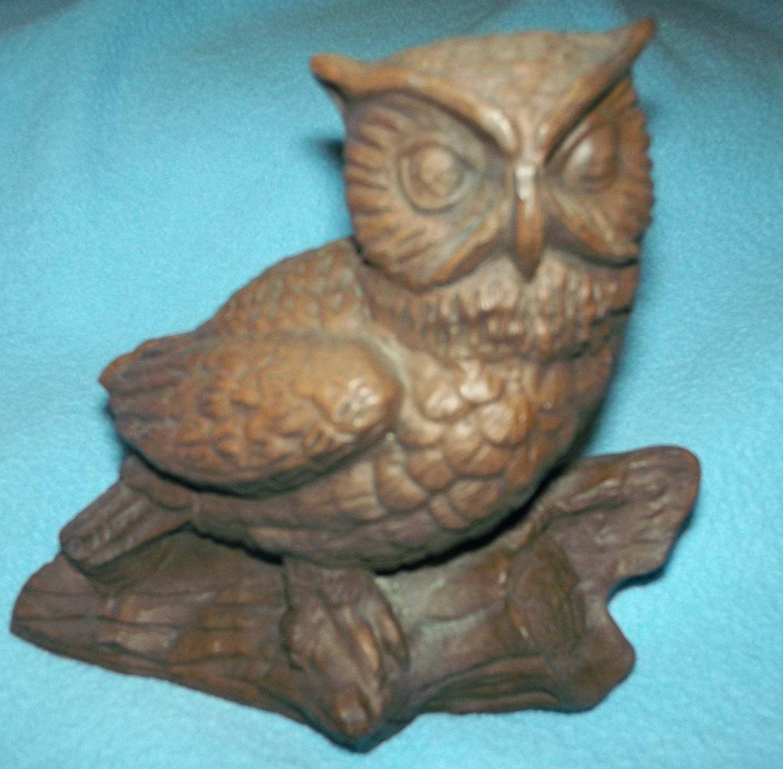 RED MILL MFG OWL ON LOG FIGURINE ~ USA MADE~ORIG STICKER