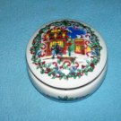 HERITAGE HOUSE 1992 SILVER BELLS PORCELAIN MUSIC BOX ~MELODIES OF CHRISTMAS~DAVID RUSSELL