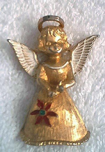 CHRISTMAS ANGEL JEWELRY PIN BROOCH ~GOLDTONE~SWEET~MYLU ?