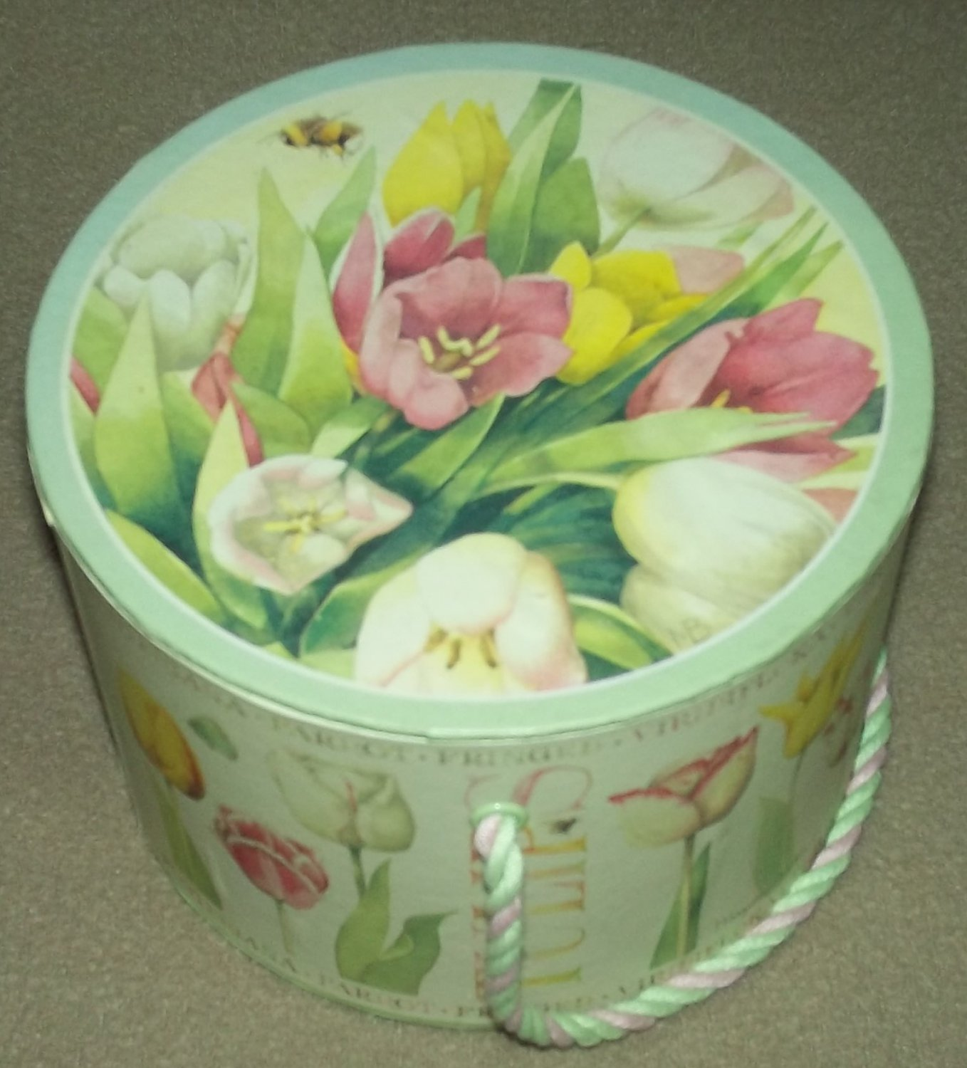 MARJOLEIN BASTIN Nature's Sketchbook BOX Small Round Mini HATBOX SEWING Tulips