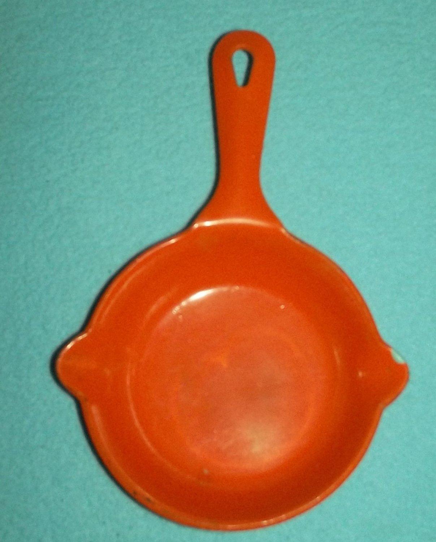"Vintage MINIATURE SKILLET Metal Orange FRYING PAN 6"" Cute Country Decor ASHTRAY"