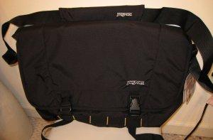 NEW JANSPORT Messenger Bag Laptop Notebook Sleeve NWT