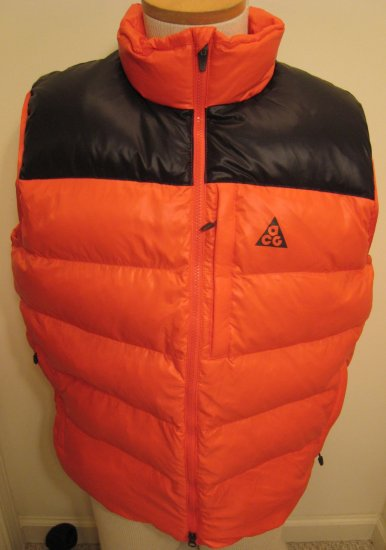 NEW NIKE ACG Mens Down 550 Vest NWT $110 Orange Black L