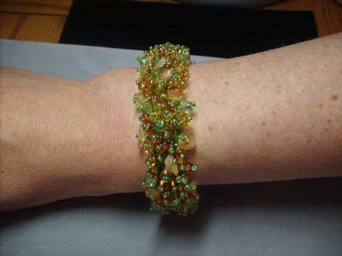 Spring Green and Gold Beaded Bracelet BR-7