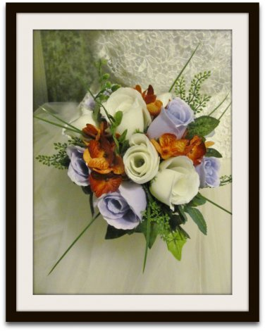 Bouquet with Rose Buds and Hydrangea KU  0702-1