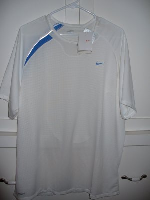 NWT Mens NIKE Fitness Training Shirt Size XL Sphere Dry