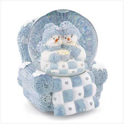 Snow Buddies Musical Snowglobe