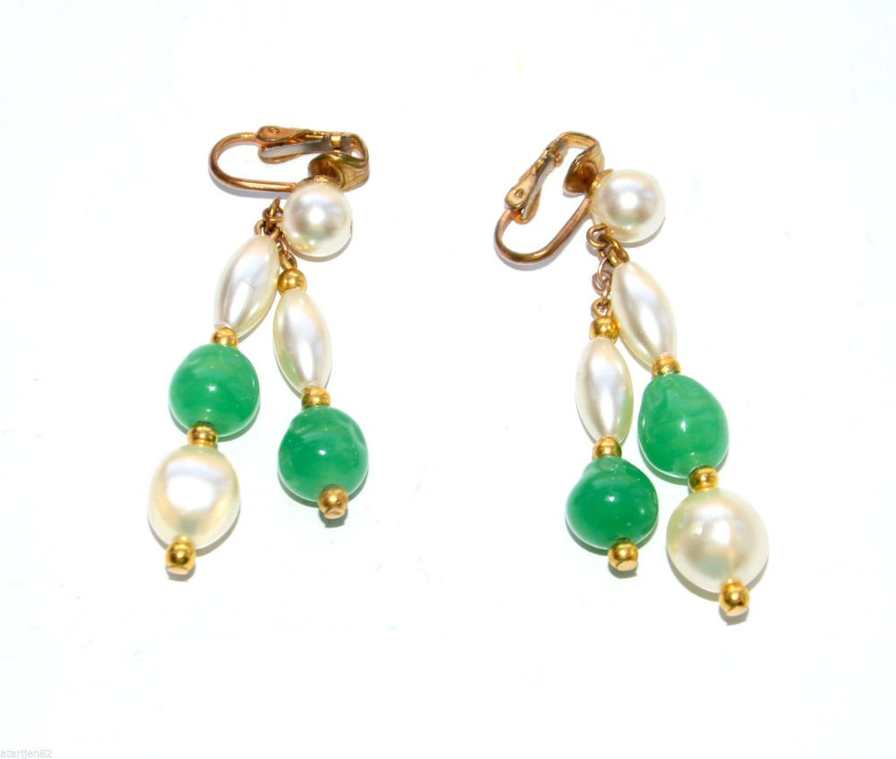 Euc vintage long lucite green plastic dangle clip earrings pearl bead gold metal