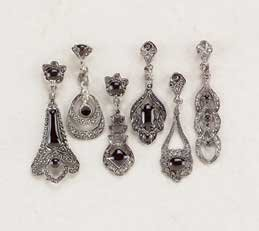 CLASSICALLY STYLED EARRINGS