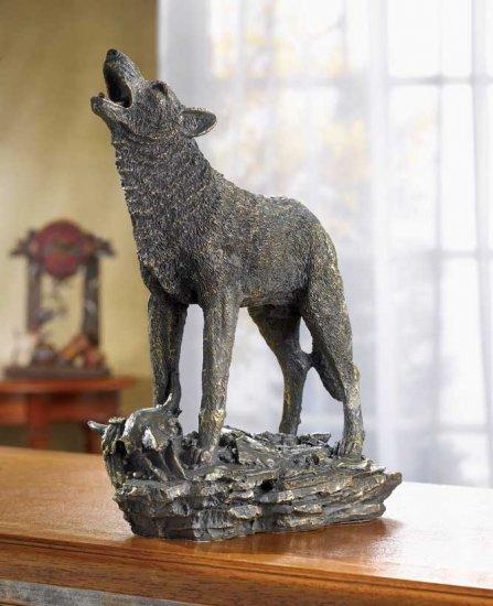 HOWLING WOLF FIGURINE