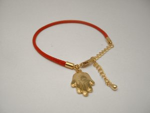 CELEBRITY LEATHER RED CORD HAMSA BRACELET *Retail $45