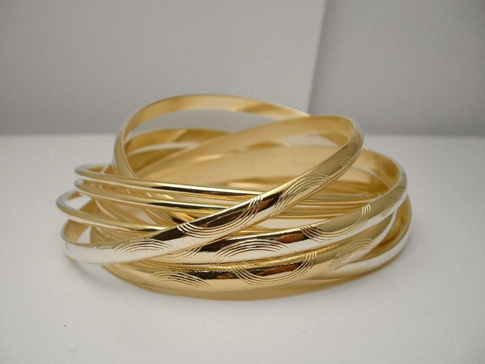 NEW * TRENDY GOLDTONE MULTI BANGLE BRACELET