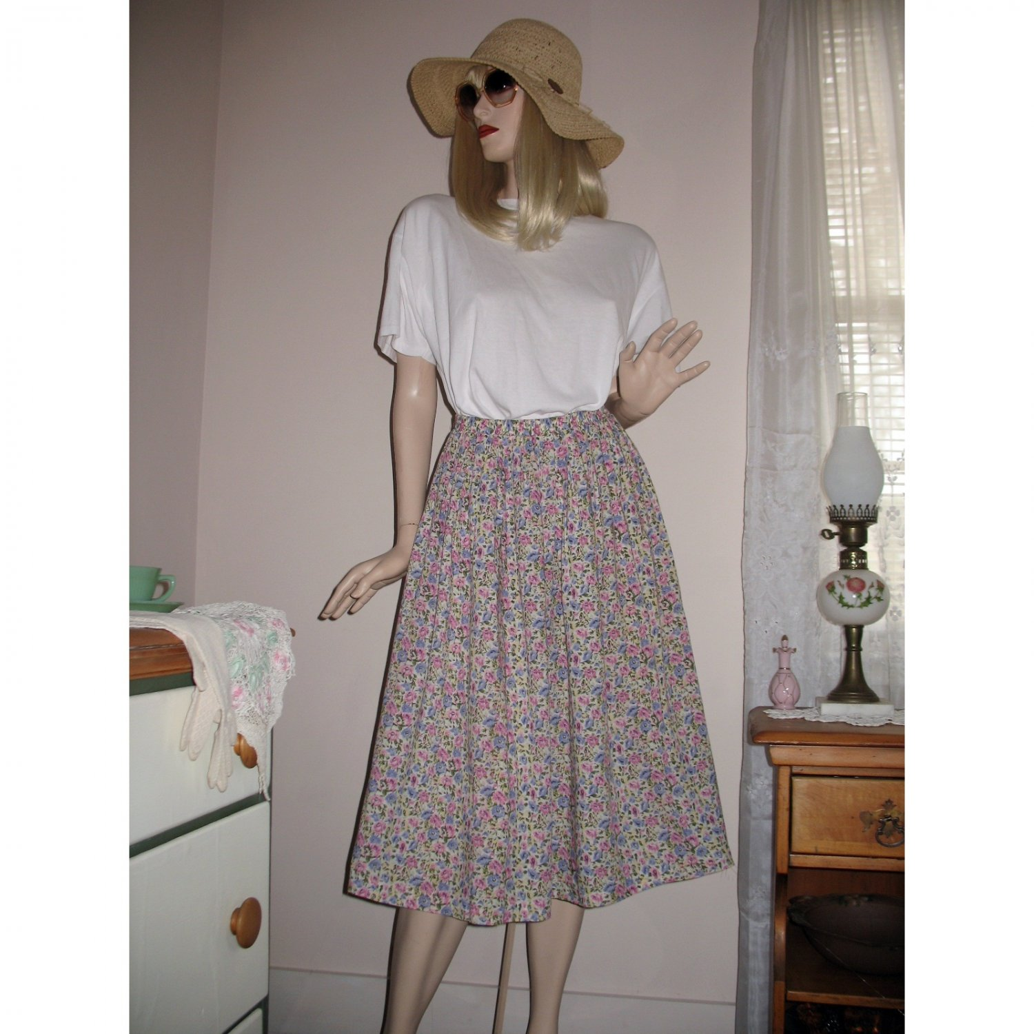 Full Gathered Casual Skirt Small Lavender/Pink Florals