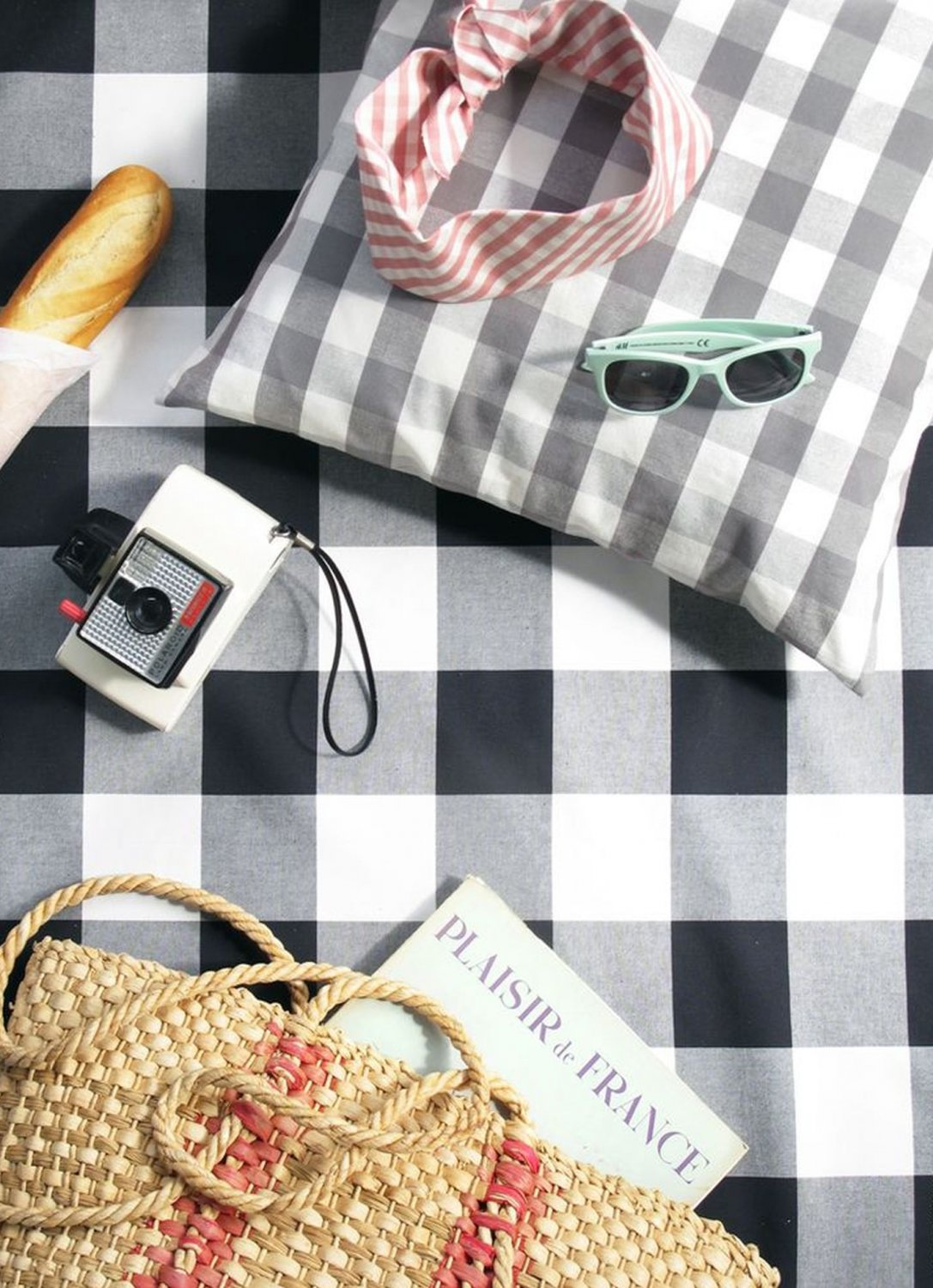 black and white checked paper tablecloths View our collection of party napkins & tablecloth from sainsbury's choose from 1 hour delivery slots & collect nectar points online today buy online today.