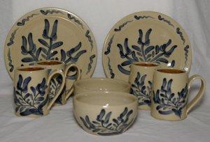 Maple Hill Pottery - 8 pcs