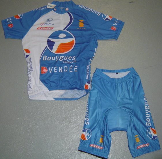 BOUYGUES TELECOM CYCLING JERSEY AND SHORTS KIT SZ M