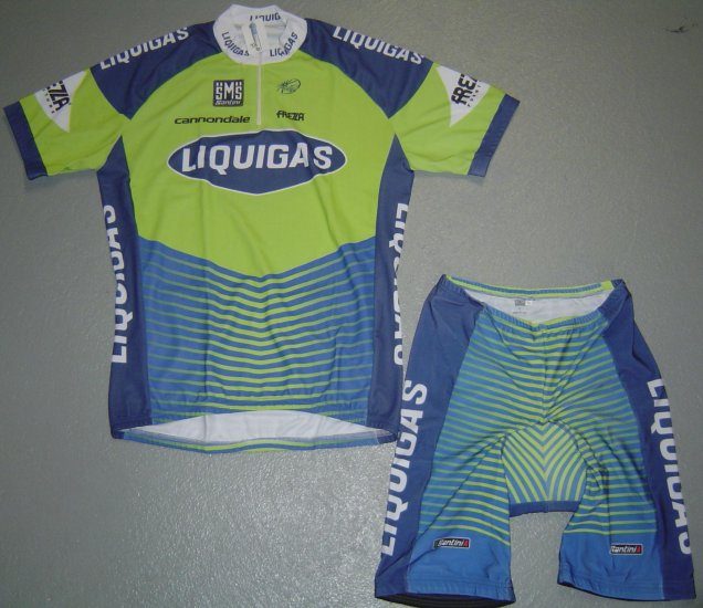 LIQUIGAS TEAM CYCLING CYCLE JERSEY AND SHORTS KIT SZ M