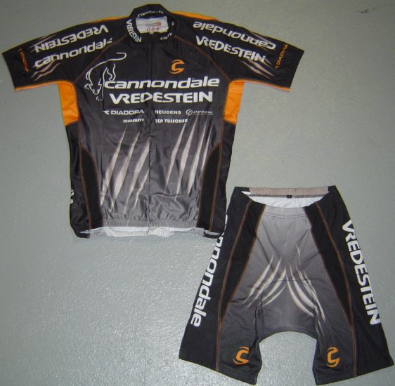 CANNONDALE VREDESTEIN CYCLING JERSEY AND SHORTS SZ M