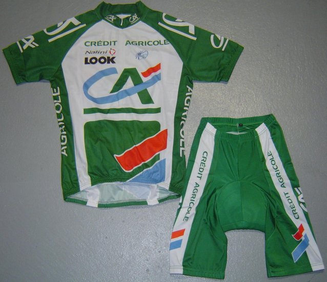 CREDIT AGRICOLE TEAM CYCLE JERSEY AND SHORTS KIT SZ L