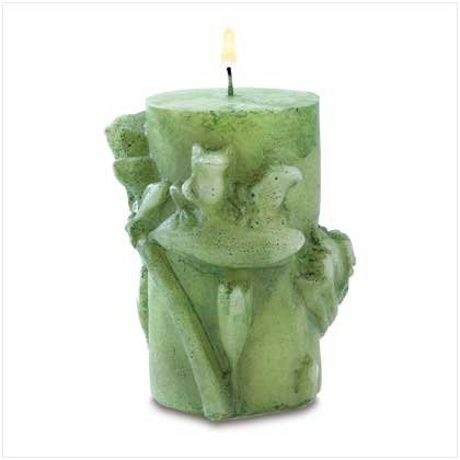 Frolicking Frog Candle in Spring Garden scent