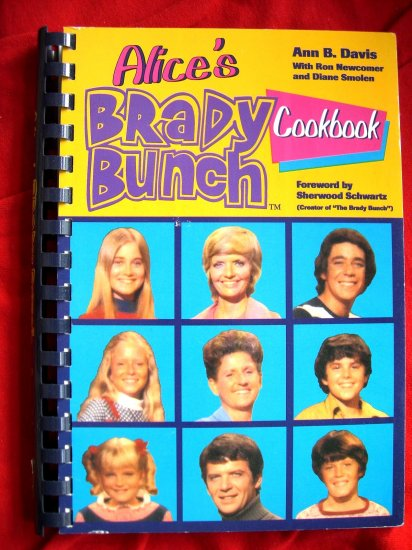SOLD! Vintage 1994 TV's ALICE'S BRADY BUNCH COOKBOOK by Ann B DAVIS CAST RECIPES & PHOTOS