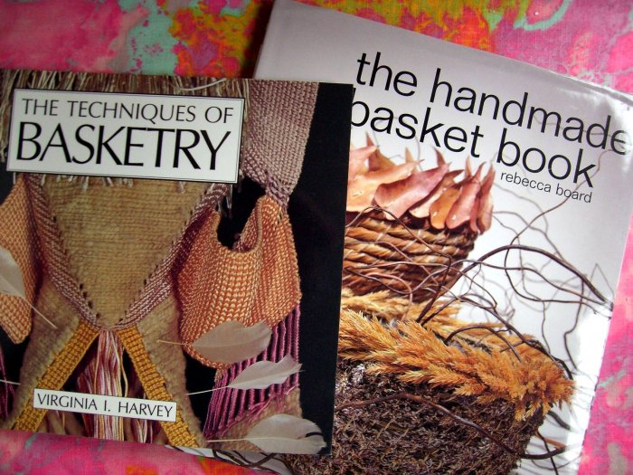 LOT 2 TECHNIQUES BASKETRY HANDMADE BASKET BOOK PATTERN