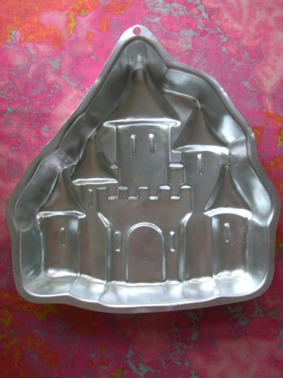 Sold!  Wilton Cake Pan Enchanted Castle 1998