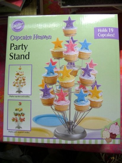 SOLD! NEW Wilton CUPCAKE HEAVEN Cup Cake Stand Holds 19 Muffin Holder NIB