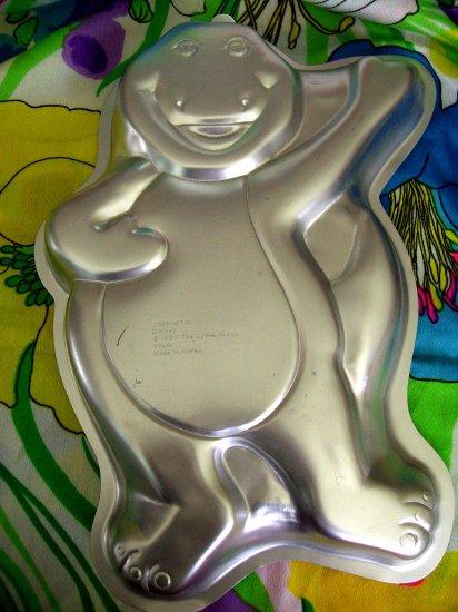 Sold! WILTON CAKE PAN BARNEY the DINOSAUR # 2105-6713