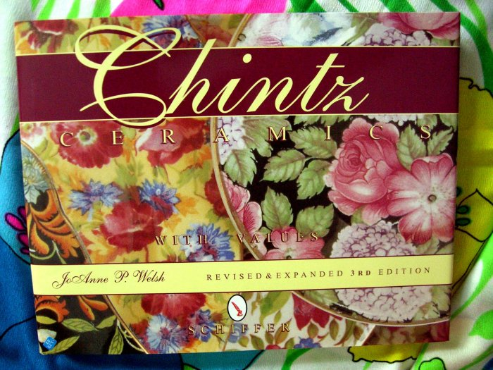 SOLD! Chintz Ceramics / Ceramic Price Guide Book HC by Jo Anne Welsh English/England