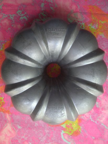 SOLD! VINTAGE NORDIC WARE (NORDICWARE) BUNDT CAKE PAN Classic MUST HAVE!