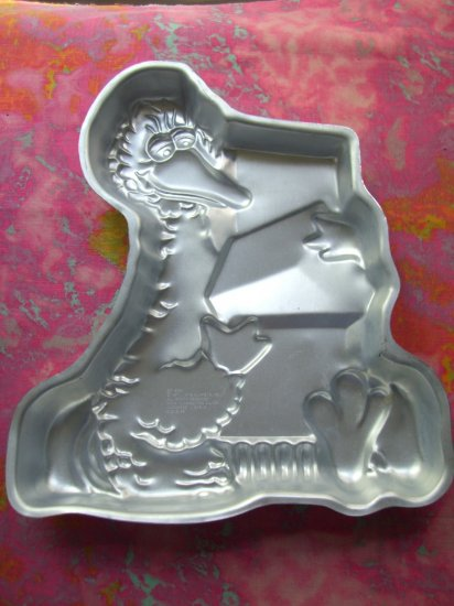 SOLD! Vintage 1977 Wilton Cake Pan # 502-2065 BIG BIRD with Presents or Blocks