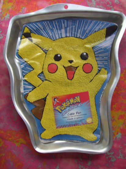 SOLD! Wilton Pokemon Pikachu Cake Pan #  2105-37 With INSERT