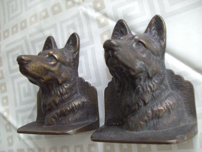 SOLD! ANTIQUE 1922 GERMAN SHEPHERD DOG CAST METAL BOOK ENDS BOOKENDS PAIR