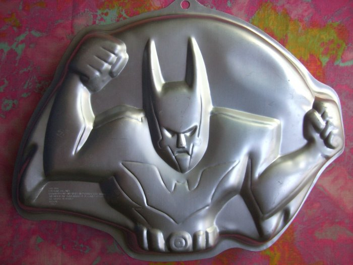 SOLD! Wilton Cake Pan BATMAN 2000 #2105-9900