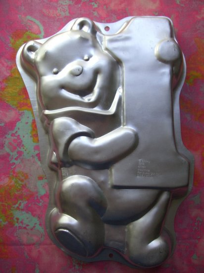 SOLD! Wilton Cake Pan Winnie the Pooh 1st /First Birthday with the rare number ONE (1)  #2105-3003