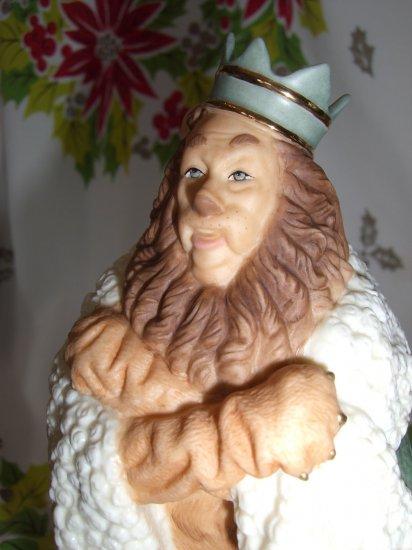 SOLD! Lenox Classics Cowardly Lion Figure Wizard of Oz Statue NIB