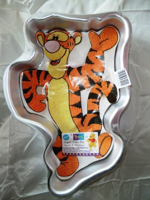 Wilton Cake Pan TIGGER from Winnie the Pooh INSERT # 2105-3001